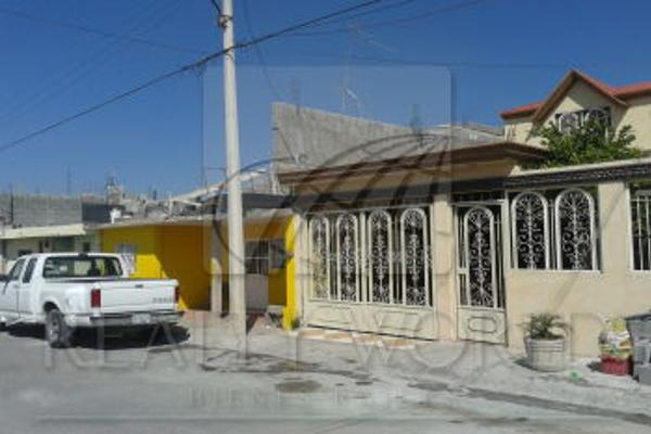 Foto de casa en venta en  , emiliano zapata, saltillo, coahuila de zaragoza, 1381609 No. 02