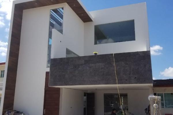 Foto de casa en venta en  , emilio sanchez piedras, apizaco, tlaxcala, 6155028 No. 01