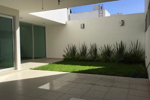 Foto de casa en venta en , fraccionamiento la cima, puebla, puebla , la cima, puebla, puebla, 8877142 No. 02