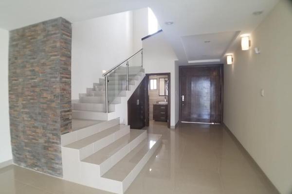 Foto de casa en venta en  , fraccionamiento lagos, torreón, coahuila de zaragoza, 16199910 No. 02