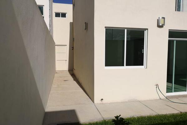 Foto de casa en venta en  , fraccionamiento las quebradas, durango, durango, 8633263 No. 09