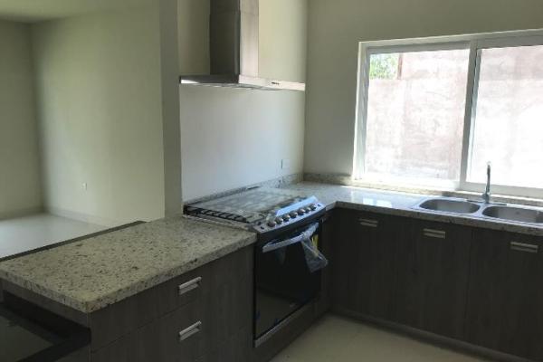 Foto de casa en venta en  , fraccionamiento las quebradas, durango, durango, 9117817 No. 02