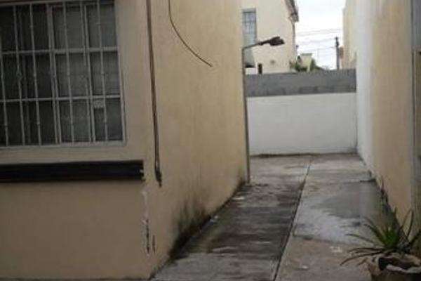 Foto de casa en venta en  , fraccionamiento villas de san pedro, hermosillo, sonora, 7960385 No. 02