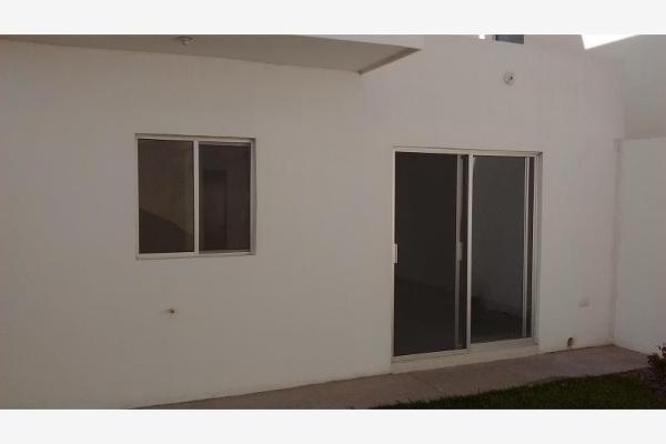 Foto de casa en venta en  , fraccionamiento villas del renacimiento, torreón, coahuila de zaragoza, 2691109 No. 04