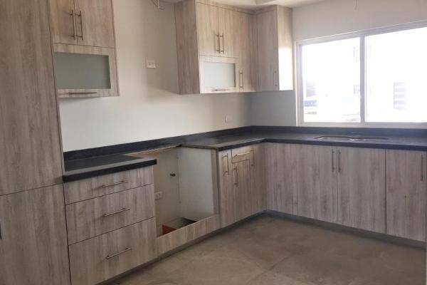 Foto de casa en venta en  , fraccionamiento villas del renacimiento, torreón, coahuila de zaragoza, 4236822 No. 05