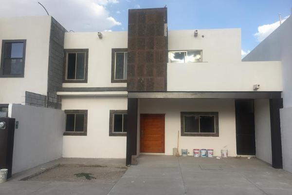 Foto de casa en venta en  , fraccionamiento villas del renacimiento, torreón, coahuila de zaragoza, 5672797 No. 01