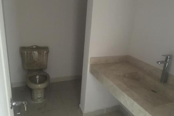 Foto de casa en venta en  , fraccionamiento villas del renacimiento, torreón, coahuila de zaragoza, 5672797 No. 02