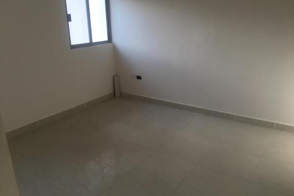 Foto de casa en venta en  , fraccionamiento villas del renacimiento, torreón, coahuila de zaragoza, 5672797 No. 04
