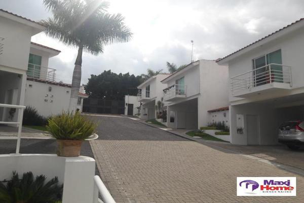 Foto de terreno habitacional en venta en  , fraccionamiento villas del sol, irapuato, guanajuato, 10080724 No. 01