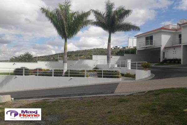 Foto de terreno habitacional en venta en  , fraccionamiento villas del sol, irapuato, guanajuato, 10080724 No. 02
