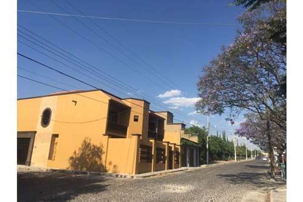 Foto de casa en venta en fray juan de san miguel , villa de los frailes, san miguel de allende, guanajuato, 5333874 No. 02