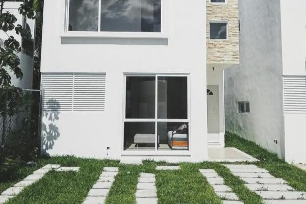 Foto de casa en venta en  , las torres, benito juárez, quintana roo, 8886231 No. 01