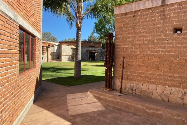Foto de casa en venta en  , granjas de la florida, cerro de san pedro, san luis potosí, 12272146 No. 02