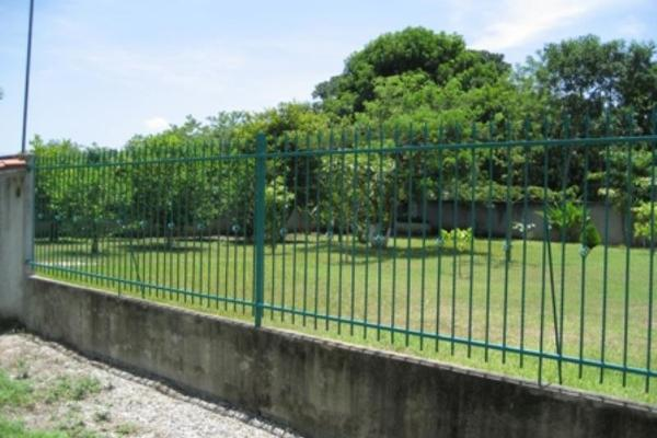 Foto de terreno habitacional en venta en  , guineo 1a secc, centro, tabasco, 2681897 No. 02