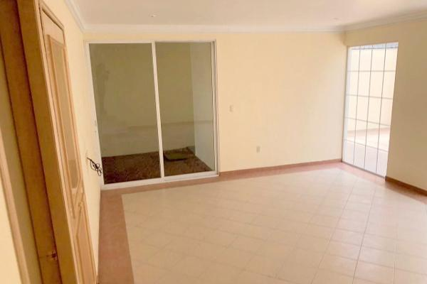 Foto de casa en venta en  , hacienda de las palmas, huixquilucan, méxico, 5690058 No. 02