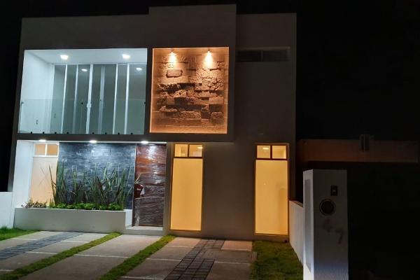 Foto de casa en venta en  , hacienda las trojes, corregidora, querétaro, 12270251 No. 01