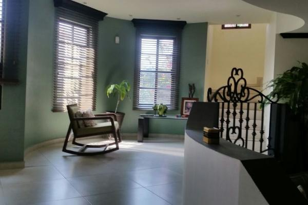 Foto de casa en venta en  , hacienda los cantu 1er sector, general escobedo, nuevo león, 14037898 No. 02