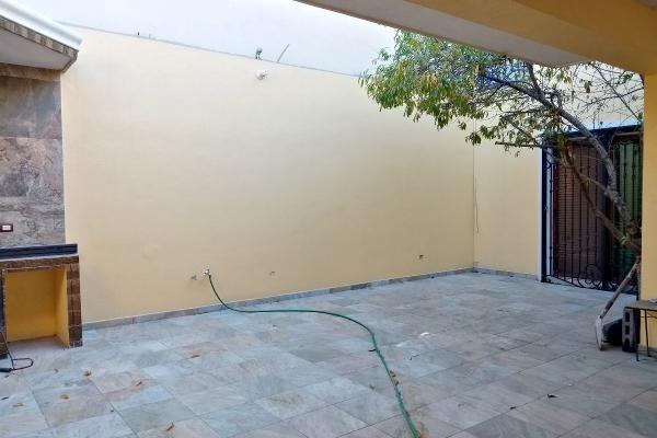 Foto de casa en venta en  , hacienda los cantu 1er sector, general escobedo, nuevo león, 14037898 No. 14