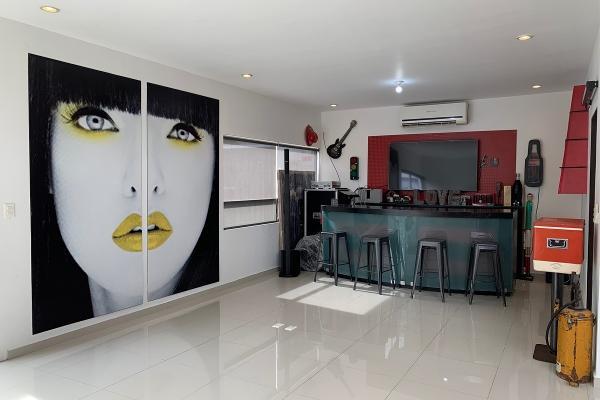 Foto de casa en venta en  , haciendas de la sierra, monterrey, nuevo león, 14038102 No. 03