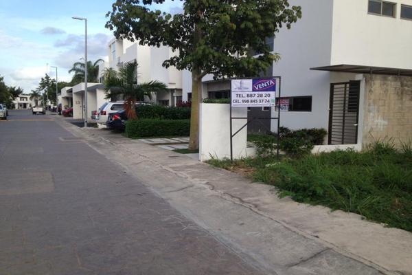 Foto de terreno habitacional en venta en huayacan , supermanzana 316, benito juárez, quintana roo, 0 No. 02