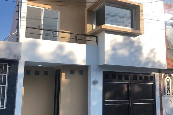 Foto de casa en venta en  , industrias, san luis potosí, san luis potosí, 14031346 No. 01