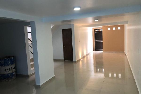 Foto de casa en venta en  , industrias, san luis potosí, san luis potosí, 14031346 No. 02