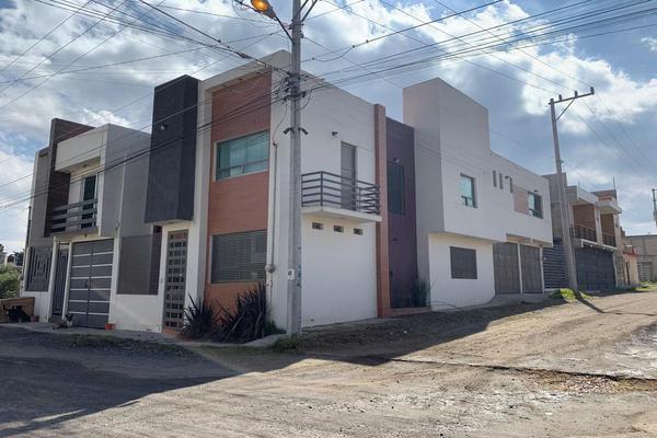 Foto de casa en venta en insurgentes esquina manuel bernal , capultitlán centro, toluca, méxico, 18004818 No. 03