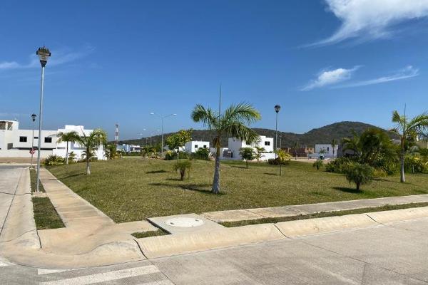 Foto de terreno habitacional en venta en  , isla residencial, mazatlán, sinaloa, 12273500 No. 02