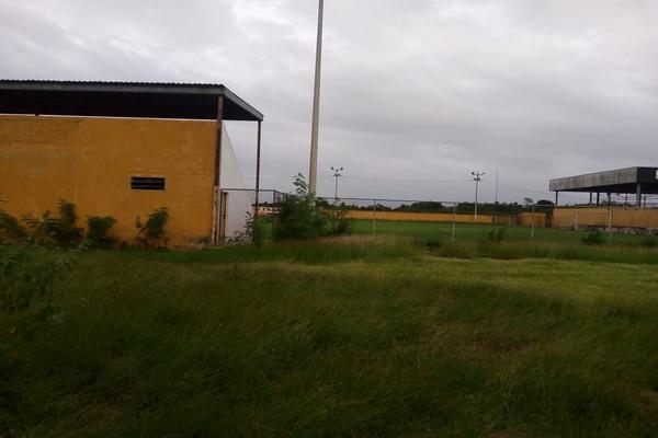 Foto de terreno habitacional en venta en  , izamal, izamal, yucatán, 17835919 No. 02