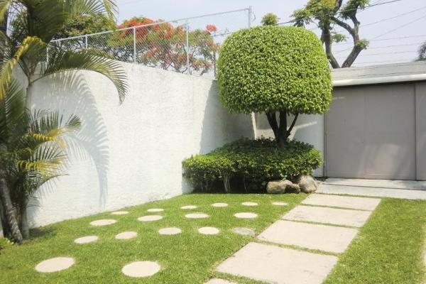 Foto de casa en venta en  , jacarandas, cuernavaca, morelos, 2661314 No. 02