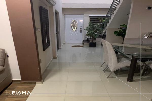 Foto de casa en venta en  , jacarandas, tepic, nayarit, 13988580 No. 02