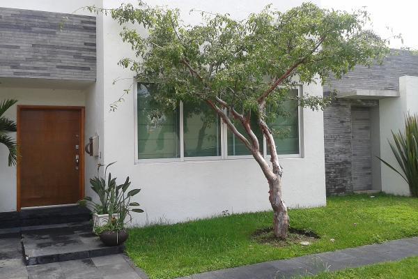 Casa en jard n real en venta id 709443 for Jardin real zapopan