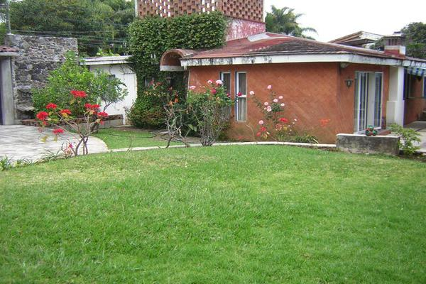 Foto de terreno habitacional en venta en  , jardín tetela, cuernavaca, morelos, 5802030 No. 01