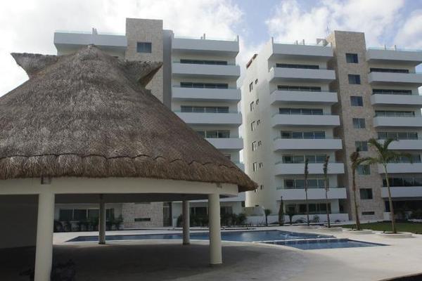 Foto de departamento en venta en  , jardines cancún, benito juárez, quintana roo, 7926880 No. 01