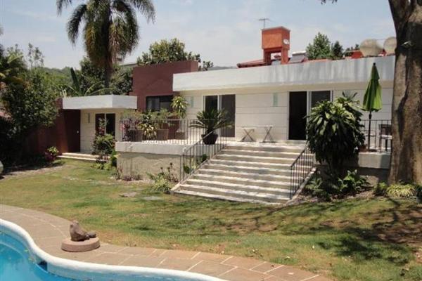 Foto de casa en venta en  -, jardines de ahuatepec, cuernavaca, morelos, 1974988 No. 01