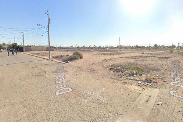Foto de terreno habitacional en venta en  , jardines de calafia, mexicali, baja california, 16960906 No. 01