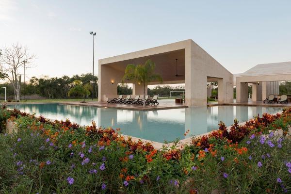 Foto de terreno habitacional en venta en  , jardines de miraflores, mérida, yucatán, 8104952 No. 02