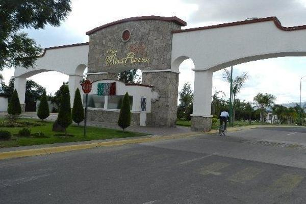 Foto de casa en venta en jardines de los sauces , jardines de miraflores, san pedro tlaquepaque, jalisco, 14037592 No. 01