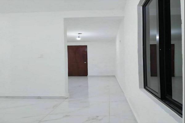 Foto de casa en venta en  , jardines de miraflores, mérida, yucatán, 20341071 No. 02