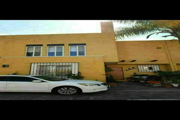 Foto de casa en venta en  , jardines de torremolinos, morelia, michoacán de ocampo, 20232983 No. 01