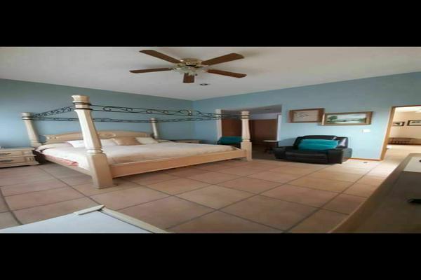 Foto de casa en venta en  , jardines de torremolinos, morelia, michoacán de ocampo, 20232983 No. 03