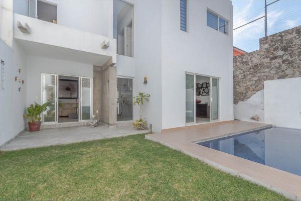 Foto de casa en venta en  , jardines de zoquipa, cuernavaca, morelos, 10203180 No. 01