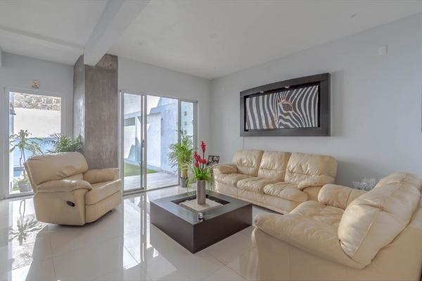 Foto de casa en venta en  , jardines de zoquipa, cuernavaca, morelos, 10203180 No. 02