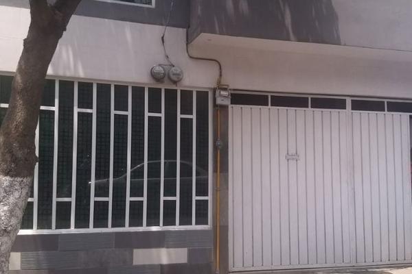 Foto de casa en venta en  , jorge negrete, gustavo a. madero, distrito federal, 5676802 No. 01