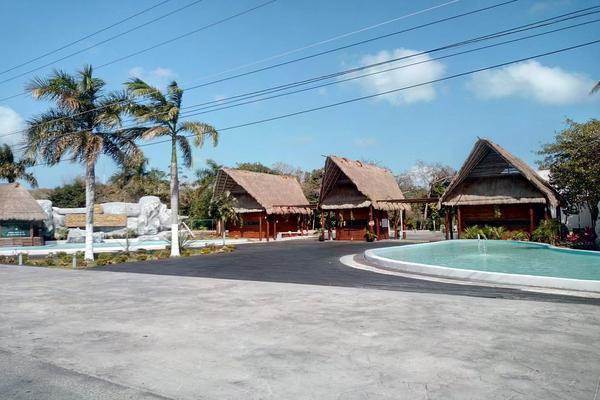 Foto de terreno habitacional en venta en  , josé maría morelos, josé maría morelos, quintana roo, 0 No. 02