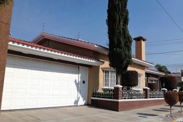Casa en JUAN DE TOLOSA, Villa Jardín 2a Sección, ... - Propiedades.com