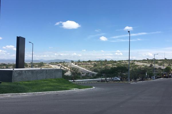 Foto de terreno industrial en venta en kilometro 1+37 cerro, paseo centenario del ejército mexicano, , desarrollo habitacional zibata, el marqués, querétaro, 8867883 No. 01