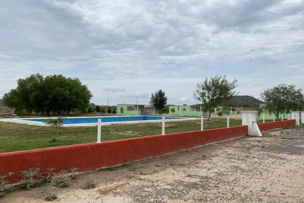Foto de terreno habitacional en venta en  , la hacienda, ramos arizpe, coahuila de zaragoza, 16123421 No. 02
