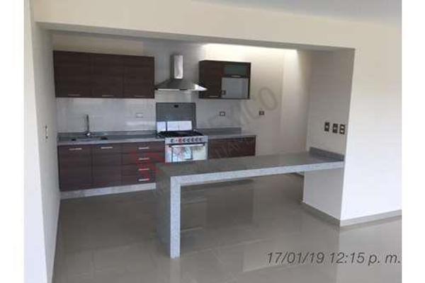 Foto de casa en venta en  , la isla lomas de angelópolis, san andrés cholula, puebla, 8849293 No. 02