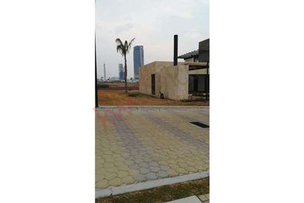 Foto de terreno habitacional en venta en  , la isla lomas de angelópolis, san andrés cholula, puebla, 8855344 No. 06